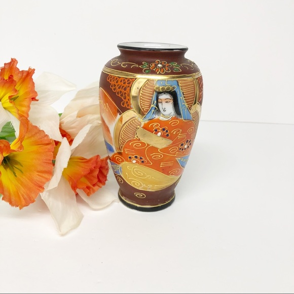 Vintage Japanese Satsuma Goddess Mini Vase